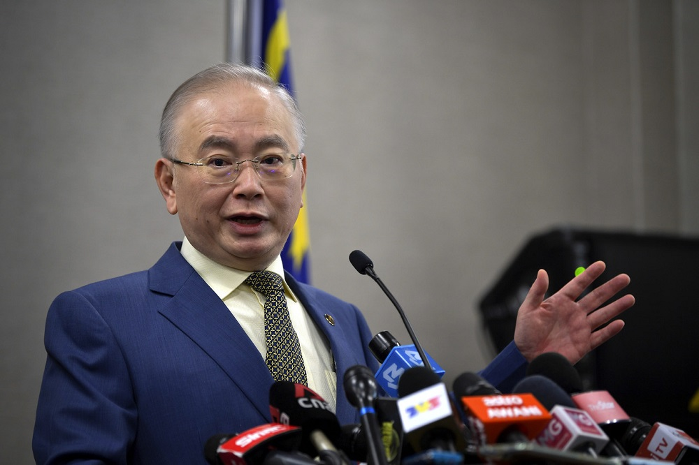 Transport Minister Datuk Seri Wee Ka Siong said micromobility vehicles which are also known as personal mobility devices are not the same as bicycles.  — Bernama pic
