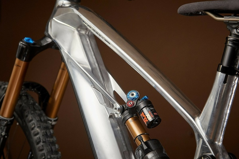 €16,000 eMTB with CNC'd Aluminum Frame is Released